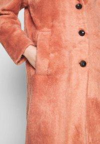 ONLY - ONLLAYLA HAIRY LONG COAT - Classic coat - desert sand - 5