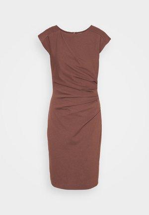 MISTRETCH - Žerzejové šaty - rosala