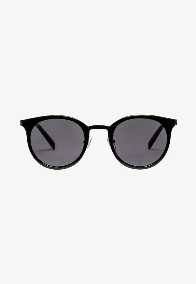 NO LURKING - Sunglasses - black