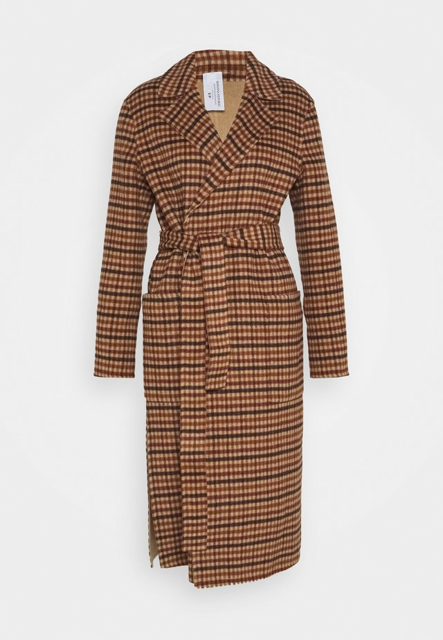 DOUBLE FACE LONG WRAP COAT REVERSIBLE PLAID - Kåpe / frakk - camel