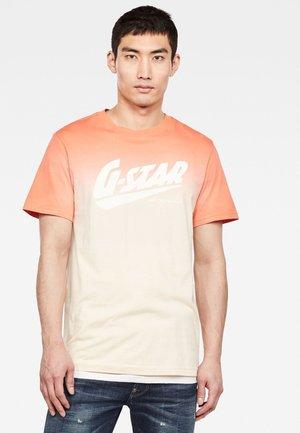 DIP DYE GR - T-shirt print - langoustino pink