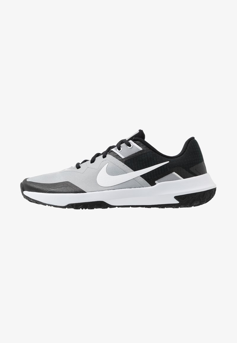 Nike Performance - VARSITY COMPETE TR 3 - Sports shoes - light smoke grey/white/black