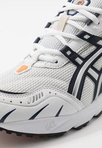ASICS SportStyle - GEL-1090 UNISEX - Sneakers basse - white/midnight - 6