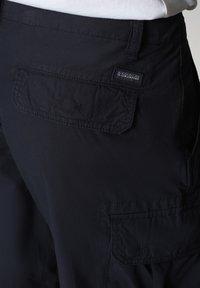Napapijri - NOTO - Shorts - blu marine - 6