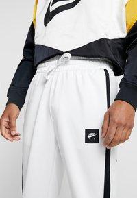 Nike Sportswear - AIR PANT - Træningsbukser - summit white/summit white/black - 3