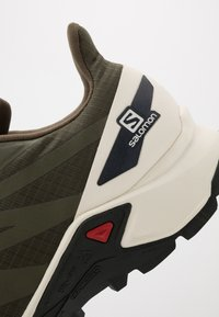Salomon - SUPERCROSS BLAST - Trail running shoes - olive night/vanilla/ebony - 5