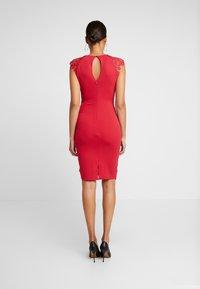 Sista Glam - MAZZIE - Vestido de cóctel - red - 3