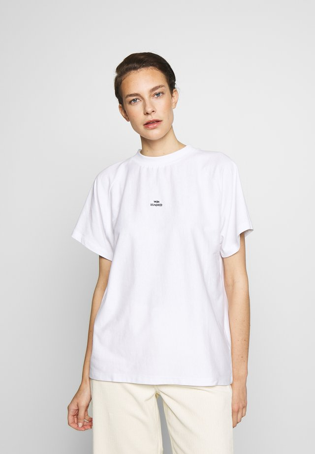 BROOKLYN - Basic T-shirt - white