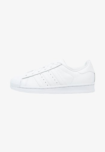 SUPERSTAR FOUNDATION ALL BLACK STYLE SHOES
