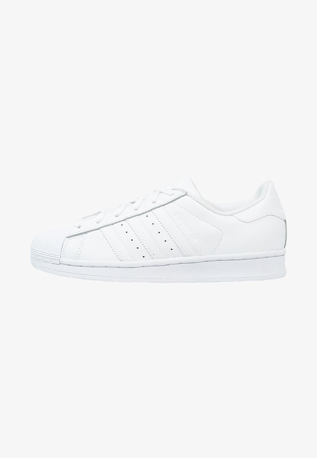 SUPERSTAR FOUNDATION ALL BLACK STYLE SHOES - Baskets basses - white