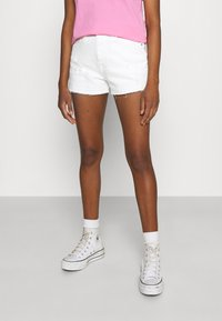 Tommy Jeans - HOTPANT - Denim shorts - optic white - 0