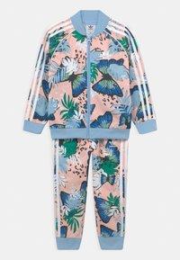 adidas Originals - SET UNISEX - Training jacket - haze coral/multicolor - 0