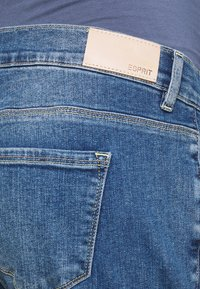 Esprit Maternity - PANTS LOOSE - Relaxed fit jeans - medium wash - 2