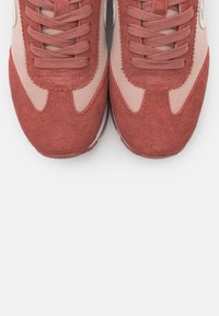 No Name - CITY RUN JOGGER - Trainers - pink/old pink - 5