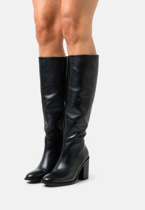 FLAG STUD LONGBOOT - Vysoká obuv - black