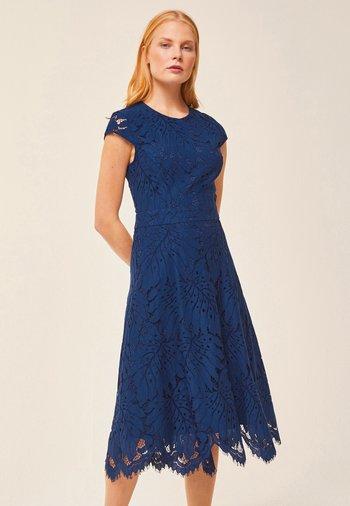 Sukienka koktajlowa - indigo
