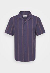 TEXTURED SHORT SLEEVE SHIRT - Shirt - purple