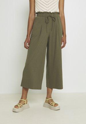 ONLKIRAS LIFE CULOTTE PANTS - Pantalones - kalamata