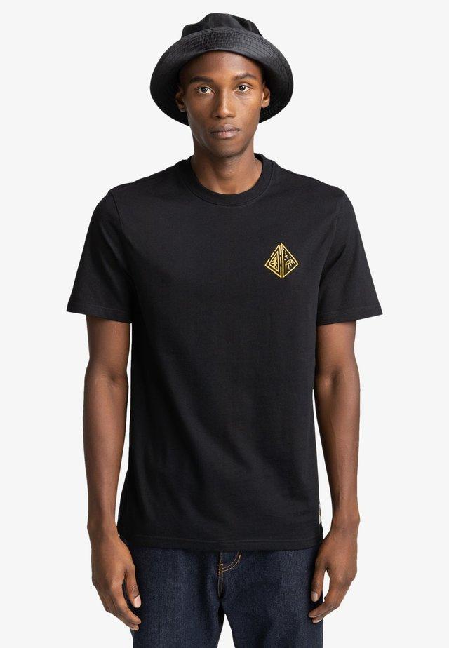 ACCEPTANCE - Print T-shirt - flint black