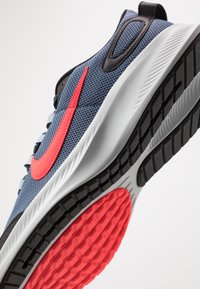 Nike Performance - RUNALLDAY 2 - Neutral running shoes - diffused blue/laser crimson/black - 5