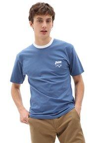 Vans - MN VANS X PENN SS - Print T-shirt - (penn) true navy - 1