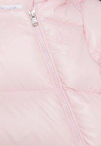 Polo Ralph Lauren - SNOWSUIT OUTERWEAR BUNTING - Snowsuit - hint of pink - 6