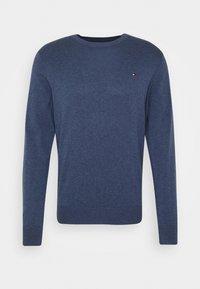 Tommy Hilfiger - BLEND CREW NECK - Stickad tröja - blue - 4
