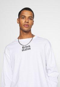 RETHINK Status - UNISEX REGULAR FIT - Print T-shirt - white - 3