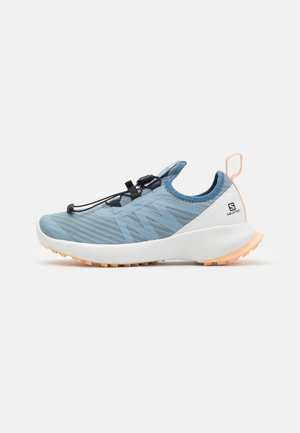 SENSE FLOW UNISEX - Zapatillas de trail running - ashley blue/white/almond cream