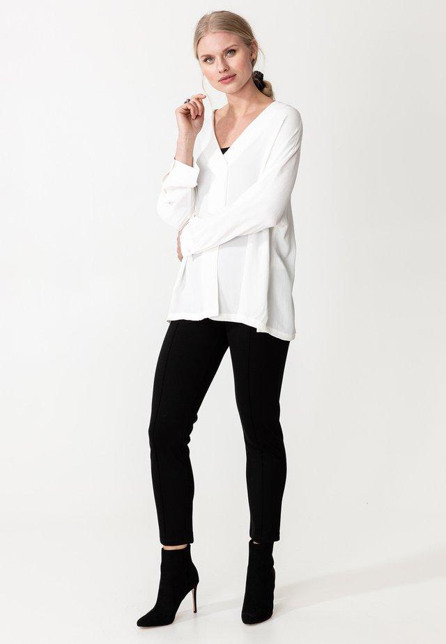 BLOUSE AKINO - Bluzka - white