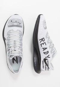 Nike Performance - ZOOM PEGASUS TURBO 2 - Zapatillas de competición - pure platinum/black/reflective silver - 1
