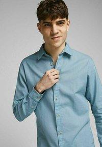 Jack & Jones PREMIUM - Formal shirt - dusk blue - 3