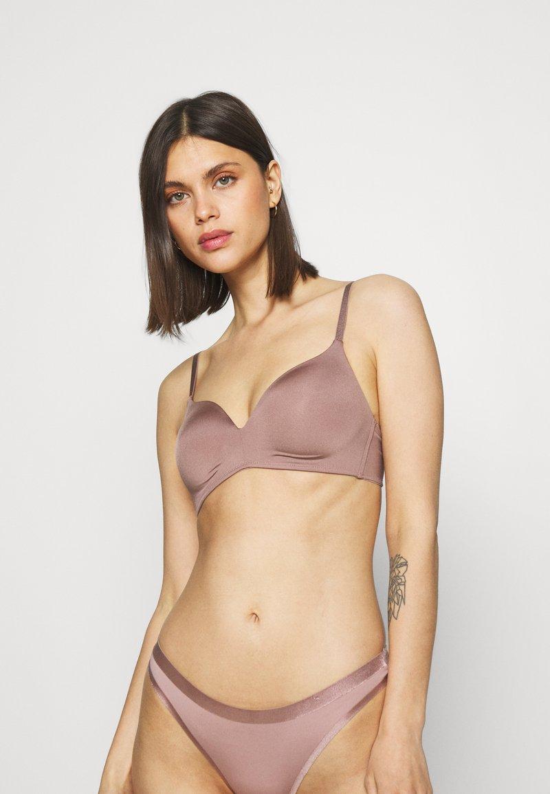 Lindex - FLIRT SHINY MICRO BRA - T-Shirt BH - light dusty lilac