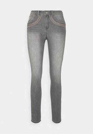 ERDIS SHAPE FIT - Slim fit jeans - light grey denim