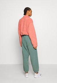 Topshop - BORG FUNNEL POCKET - Fleece jumper - pink - 2
