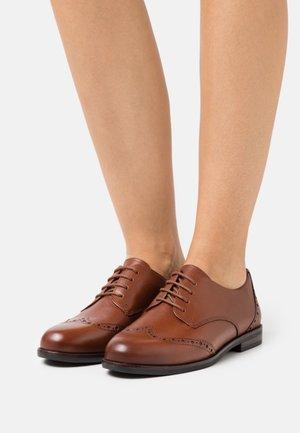 LACE UP - Šněrovací boty - cognac