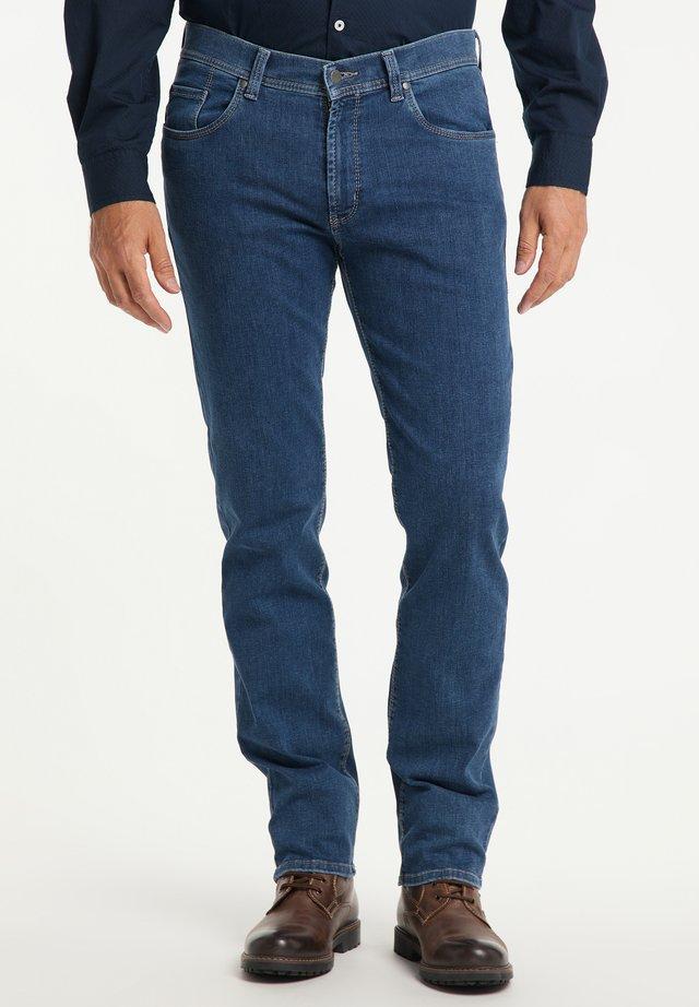 THOMAS - Straight leg jeans - stone