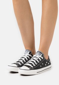 Converse - CHUCK TAYLOR ALL STAR - Trainers - black/white - 0