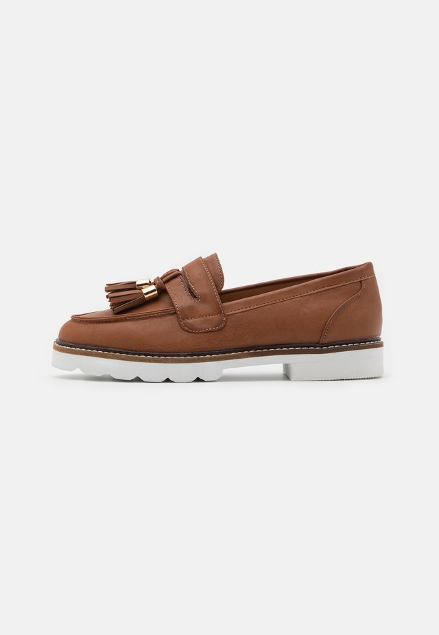 LEIGH LOAFER - Mocasines - tan