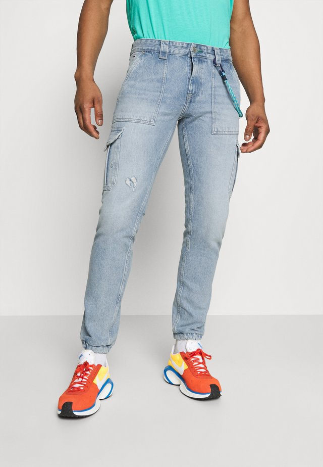 SCANTON CARGO - Jeansy Relaxed Fit -  light blue rigid
