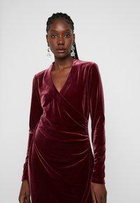 Expresso - NEISHA - Vestido de cóctel - bordeauxrot - 5