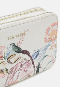 Ted Baker - BEEBY - Across body bag - natural - 3
