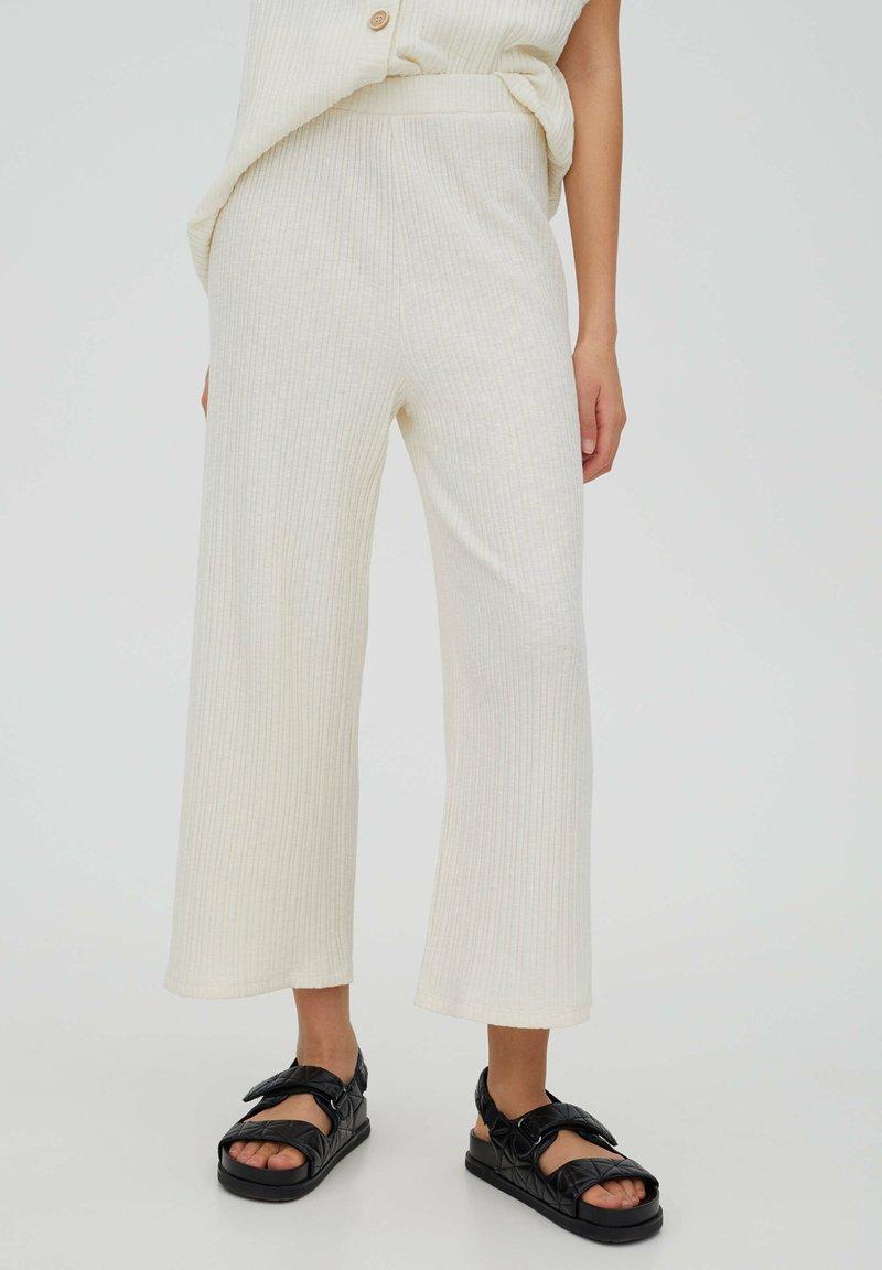 PULL&BEAR - Trousers - beige