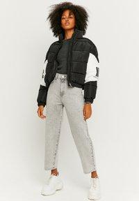 TALLY WEiJL - Straight leg jeans - grey denim - 1