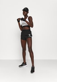 Hummel - PRO GAME SHORTS WOMAN - Sports shorts - caviar/marshmallow - 1
