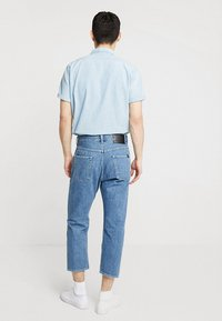 Edwin - UNIVERSE PANT CROPPED - Relaxed fit jeans - mid stone wash - 2