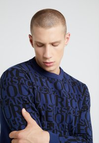 Versace Jeans Couture - MAGLIERIA - Jumper - blue - 4