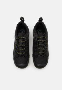 Keen - TARGHEE III WP - Obuwie hikingowe - black/olive - 3