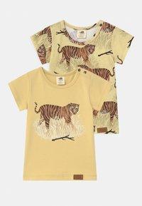 Walkiddy - TIGERS 2 PACK UNISEX - Print T-shirt - yellow - 0