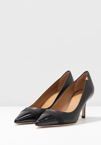 Tory Burch - PENELOPE CAP TOE  - Czółenka - perfect black - 4